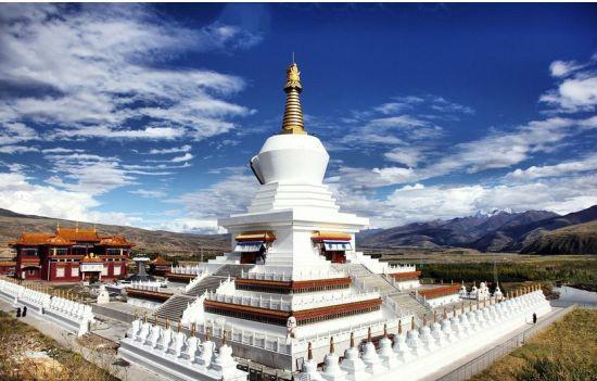 雪山下绝美喇嘛庙--甘孜寺介绍_景点介绍