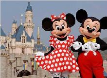 【超值品质】香港观光+迪士尼乐园+自由行四日游(哈尔滨往返)