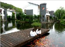 全球首创5D大型实景生态水秀、纯天然热龙温泉、客家公园两天游