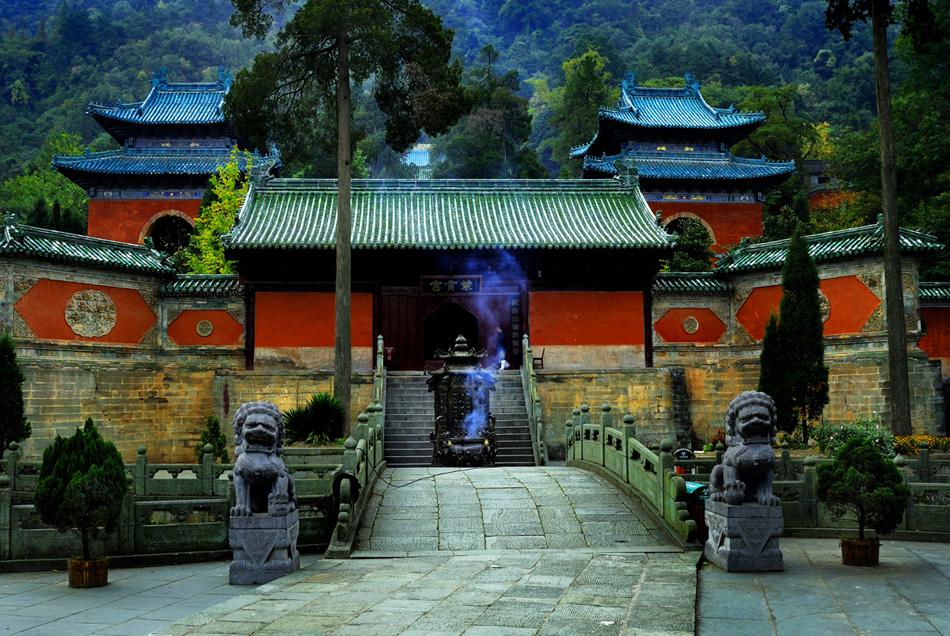 三十六岩中最美丽的【南岩风景区】,外观规模宏大的武当道观【紫霄宫