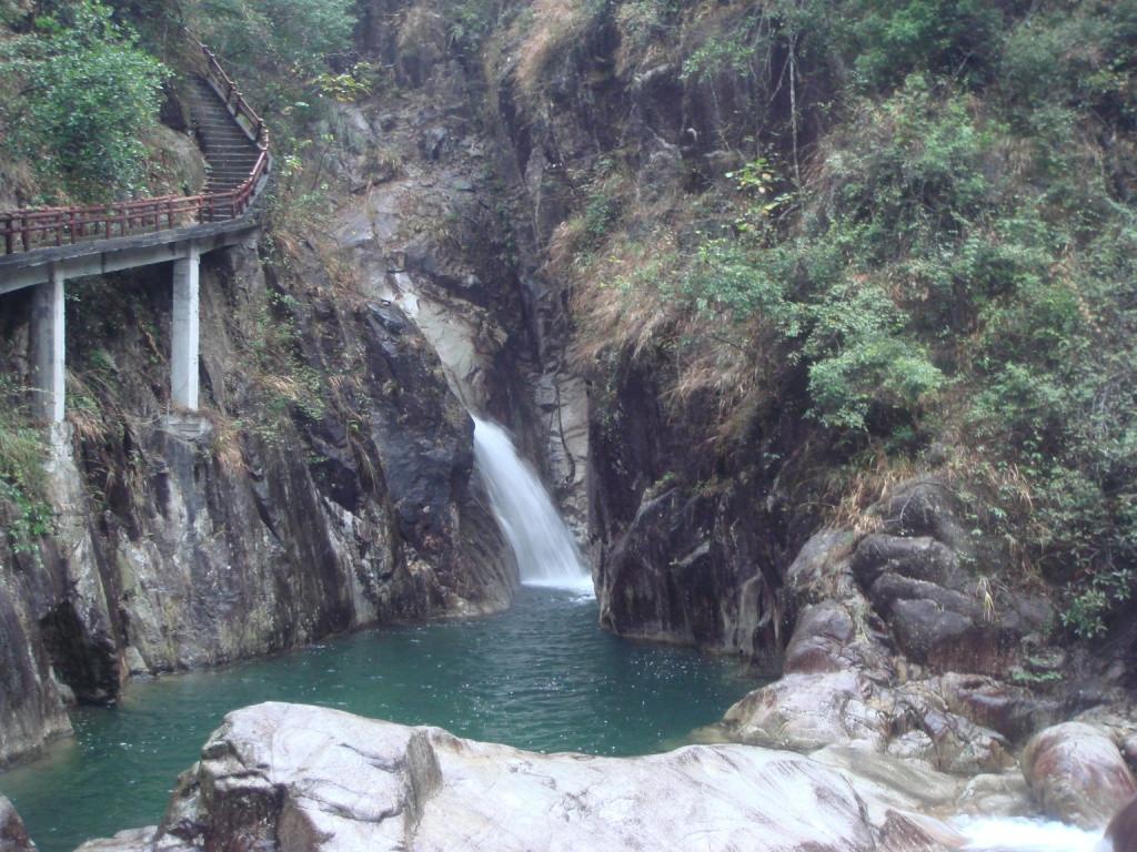瀑布群景观